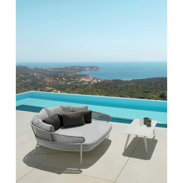 Moon Alu Daybed