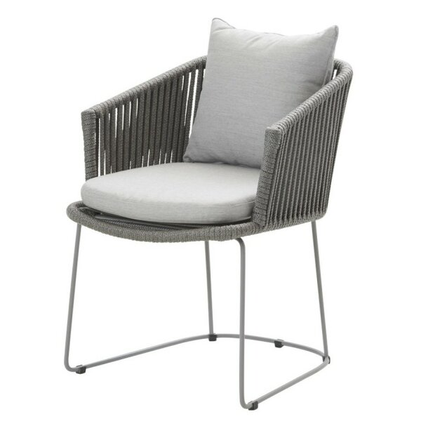 Moments Sessel nicht stapelbar